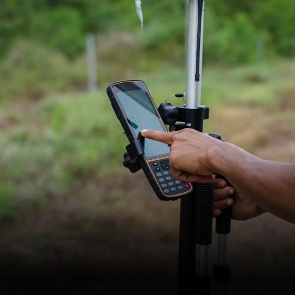 High-accuracy-survey-grade-augmented-reality-for-GIS-AR-ArcGIS-Esri-Trimble-Leica-BIM-MR-Bentley-mixed-reality-hololens-2